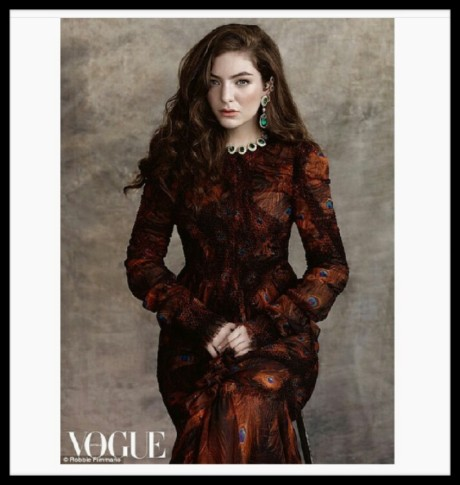 Also Lorde is on the cover of Vogue Australia this month.  Here she's wearing Givenchy. Styled be Vogue's Fashion director Christine Centenary. And did I mention that I'm obsessed with this look?